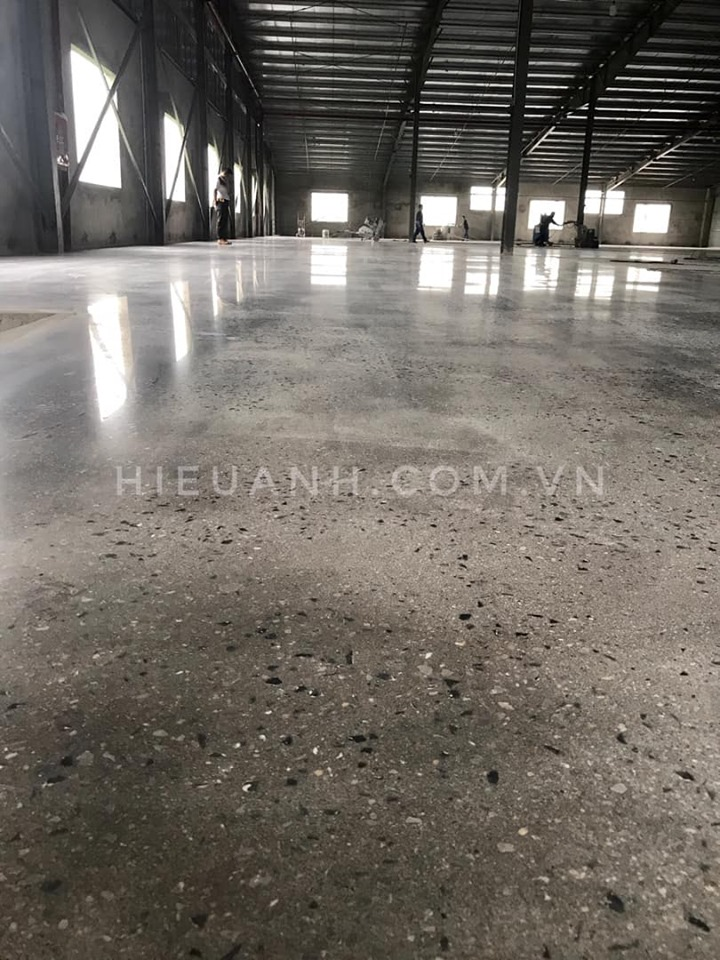 Grinding and polishing concrete floor Thai Binh Shoes Factory